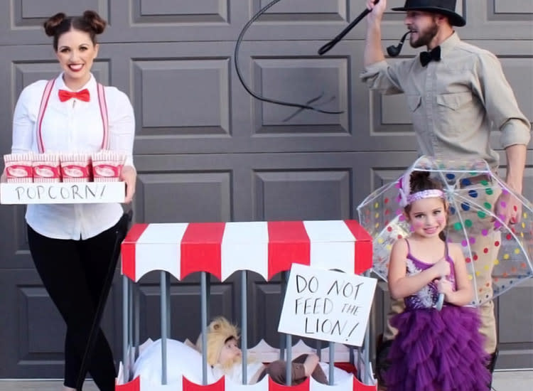 123964dc5 Best Family Halloween Costumes Ideas for 2018