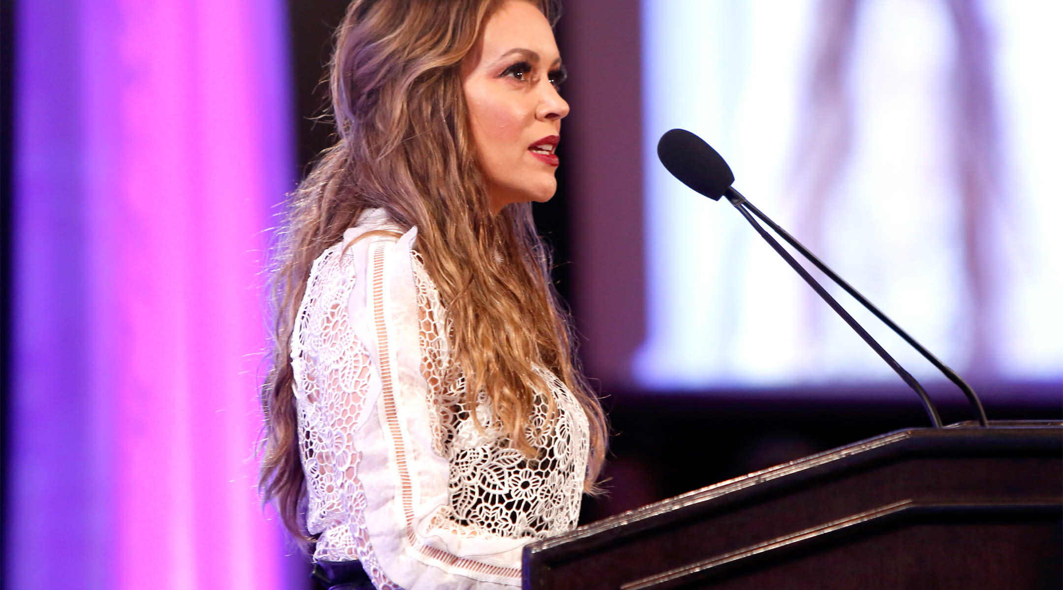 alyssa milano outraged over breastfeeding policy in low income countries