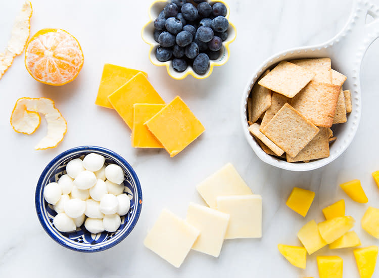 kids-lunches-cheese-crackers-