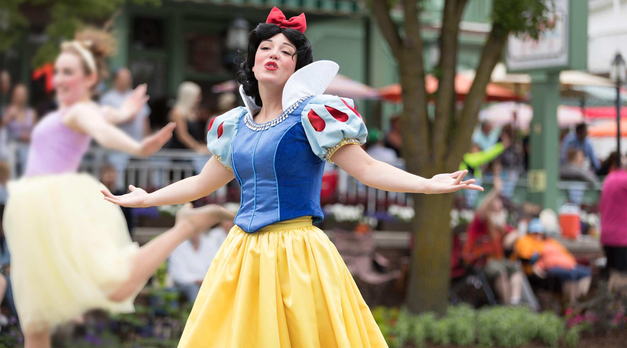 Snow White Soothing a Boy With Autism Has Restored Our Faith in Magic