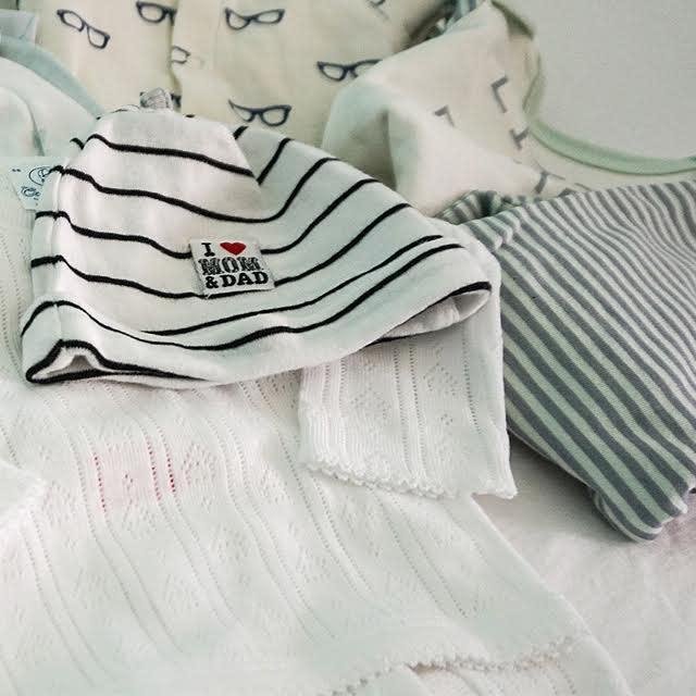 "Newborn ""I Love Mom & Dad"" hat with newborn clothing"