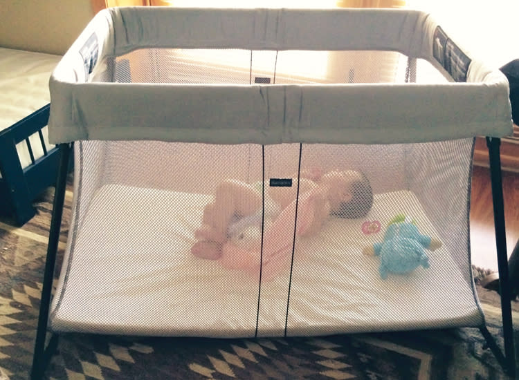 Baby Bjorn Travel Crib Light Vs Light 2 Baby Bjorn Travel