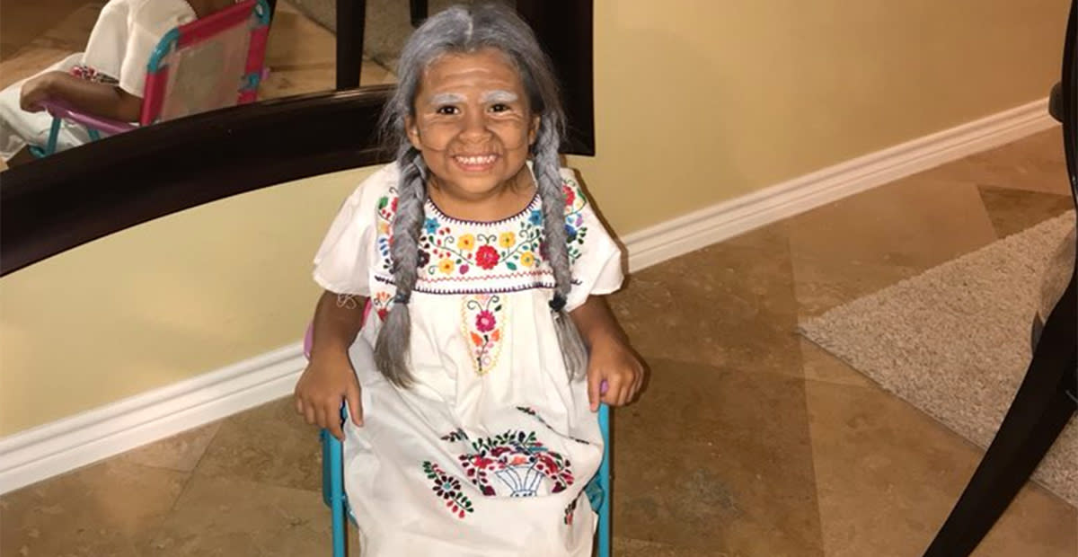 Mom Completely Nails Her Daughter's Disney 'Coco' Costume