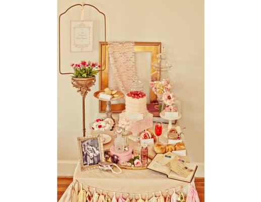 Beautifully Vintage Themed Baby Shower Ideas