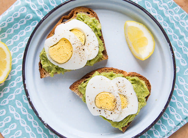 kids-lunches-avocado-toast-hard-boiled-eggs