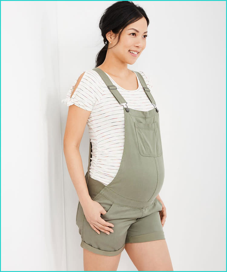 876650d3512af 21 Maternity Overalls That Are Too Cute to Pass Up