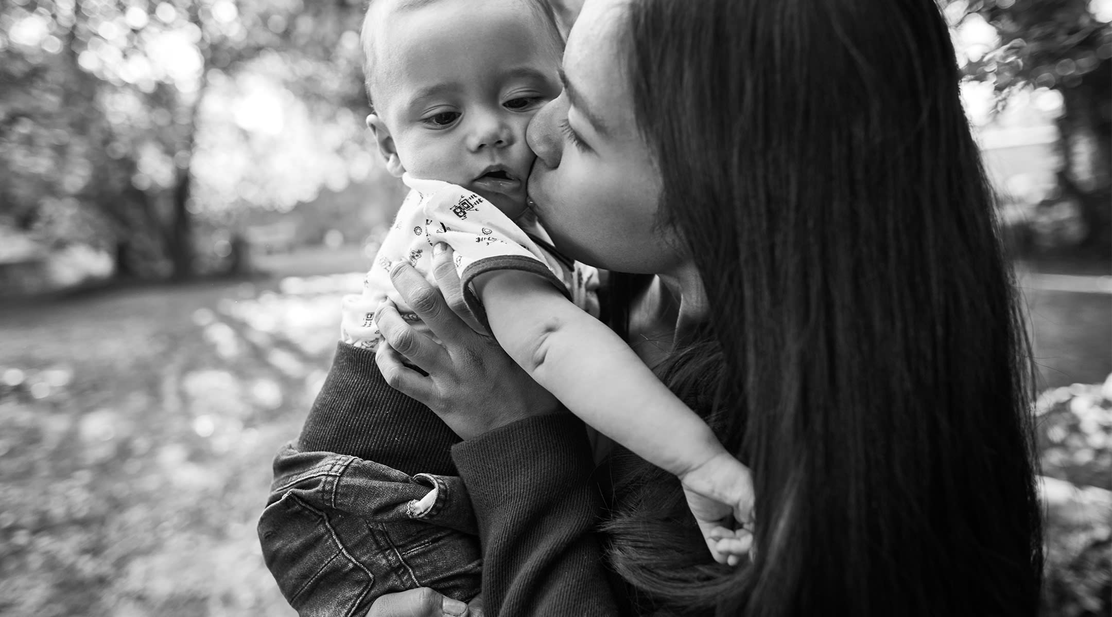 Mom Warns Others Not to Kiss Babies After Son Is Hospitalized With RSV