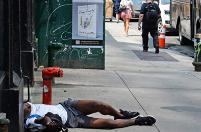 By dumping mentally ill prisoners, homeless on streets, de Blasio hurts everyone