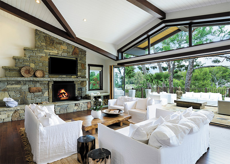 How to Hibernate in Style: Malibu's Beachfront Retreat