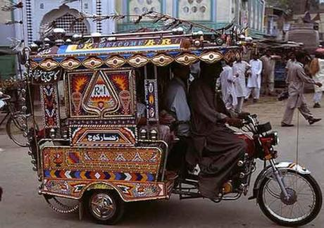 Chingchee-in-Pakistan-tuk-tuk