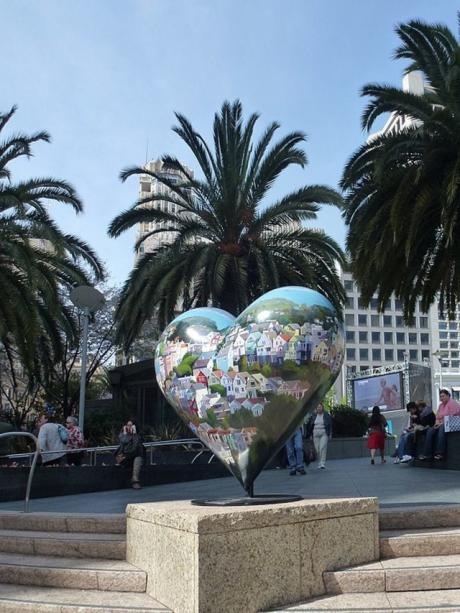 San Francisco's Union Square - Left my Heart in San Francisco sculpture