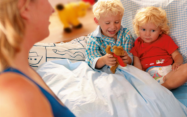 Cómo crear un dormitorio para dos (un niño pequeño y otro mayor)