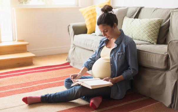 Listos para leer: Consejos introductorios para familias embarazadas
