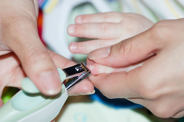 cut-baby-fingernails