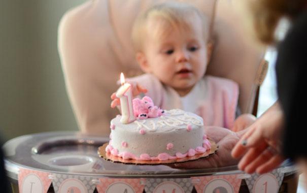 Pasteles y bocadillos de cumpleaños que son saludables y que a los niños les encantan