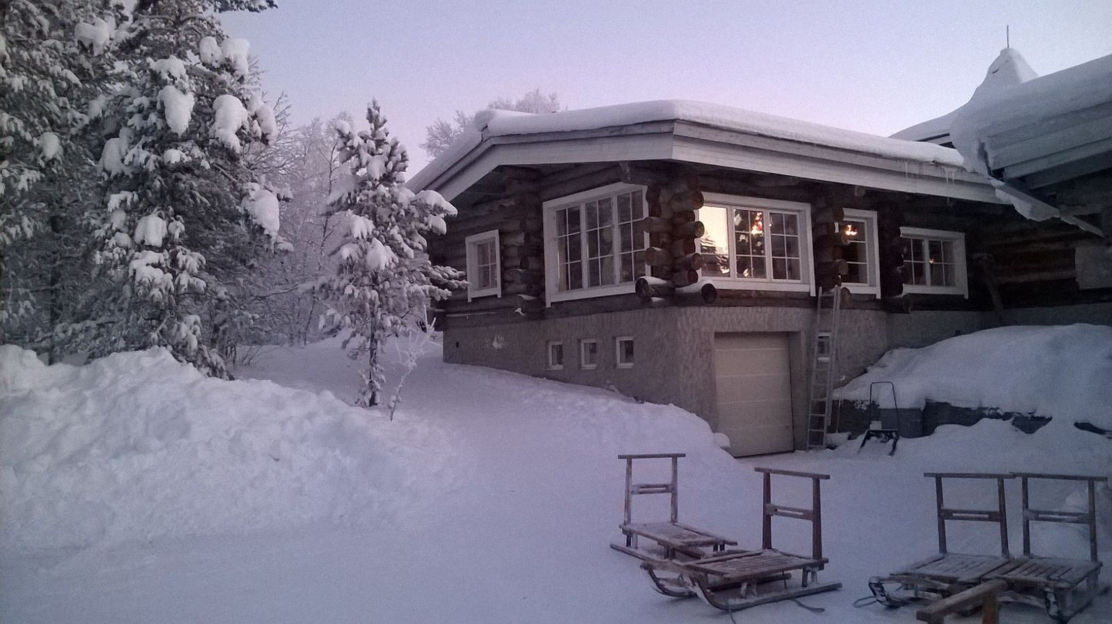 White Christmas in Kakslauttanen