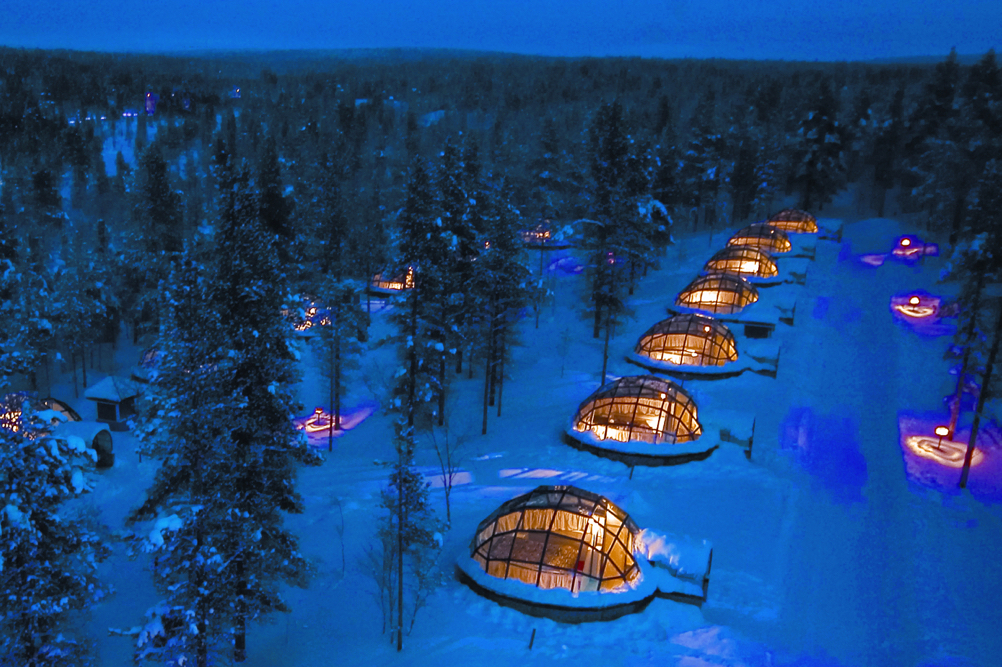 11 Igloos view from air Kakslauttanen JPG (1)