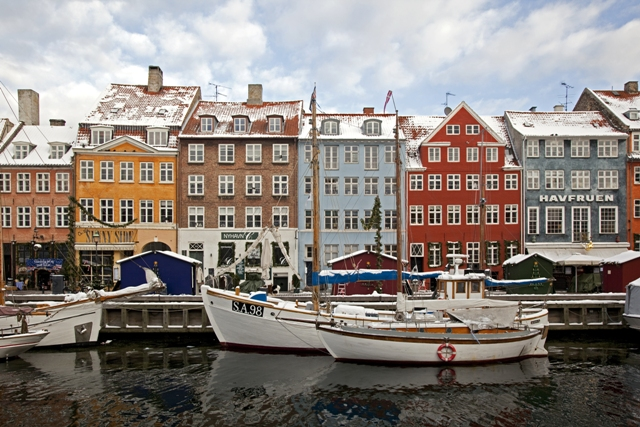 Copenhagen City Guide - Christmas in Nyhavn