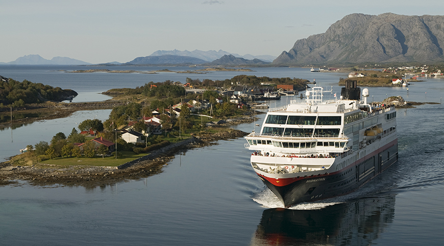 Hurtigruten cruise Norway on Bronnoysund