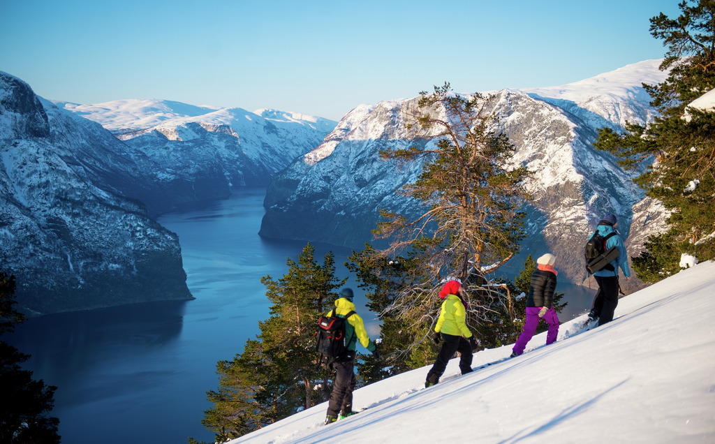 Flåm Snow Shoe Hike - Winter