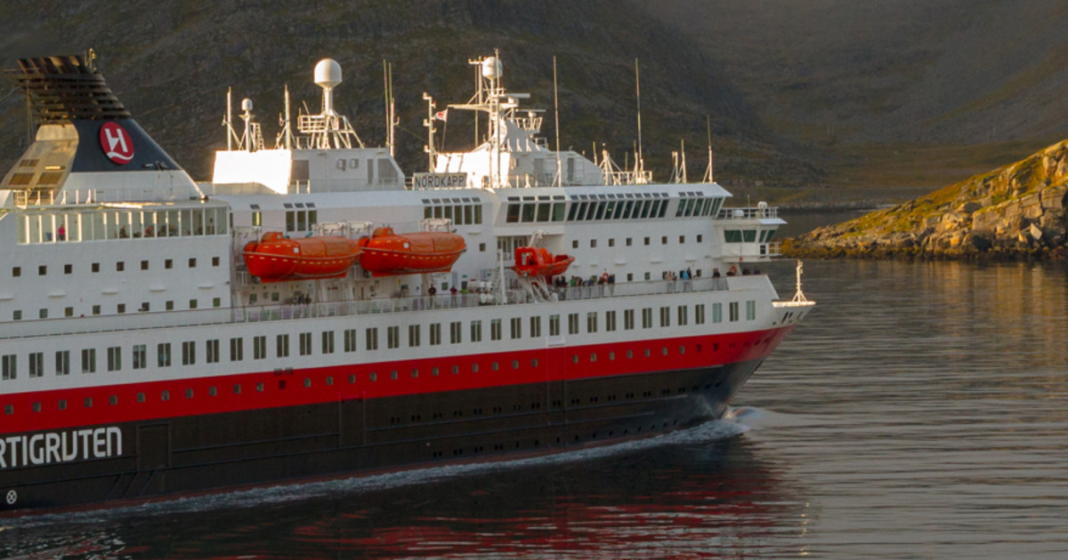 12 Day Hurtigruten Cruise - Norwegian Coast Tour | 50 Degrees North