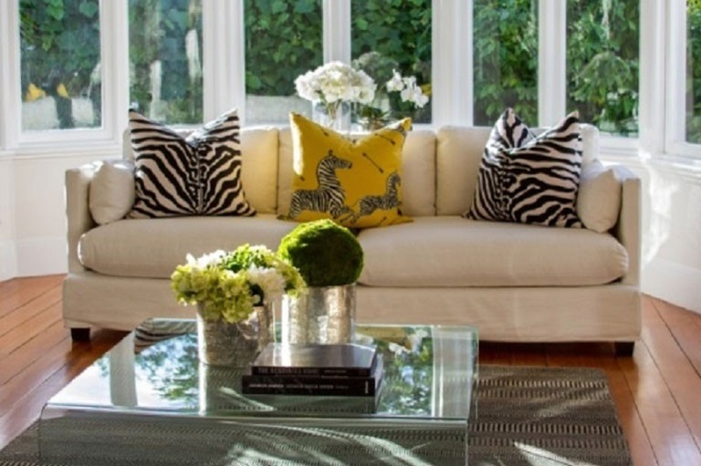 living-room > access-to-experts > top-home-staging-tips > 1489373394898.jpg
