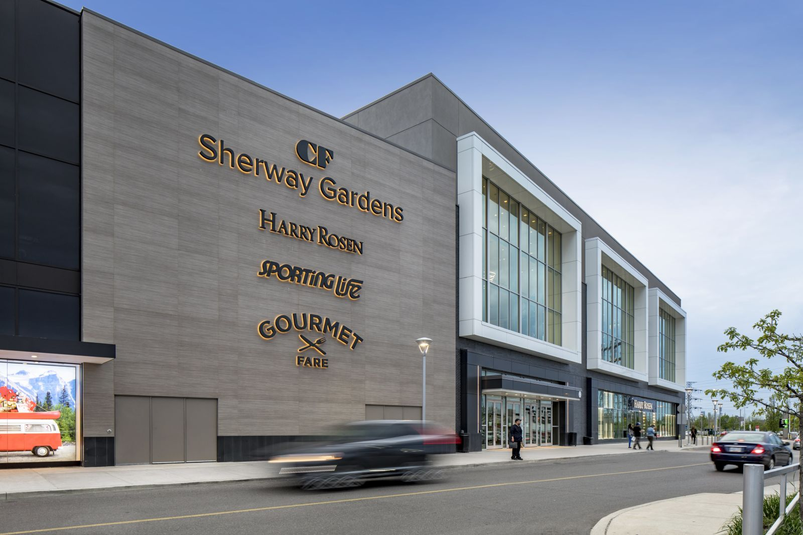 CF Sherway Gardens is a shopping centre located in Etobicoke, west of Toronto Pearson Airport. Explore over 200 stores, and restaurants at this Toronto mall.