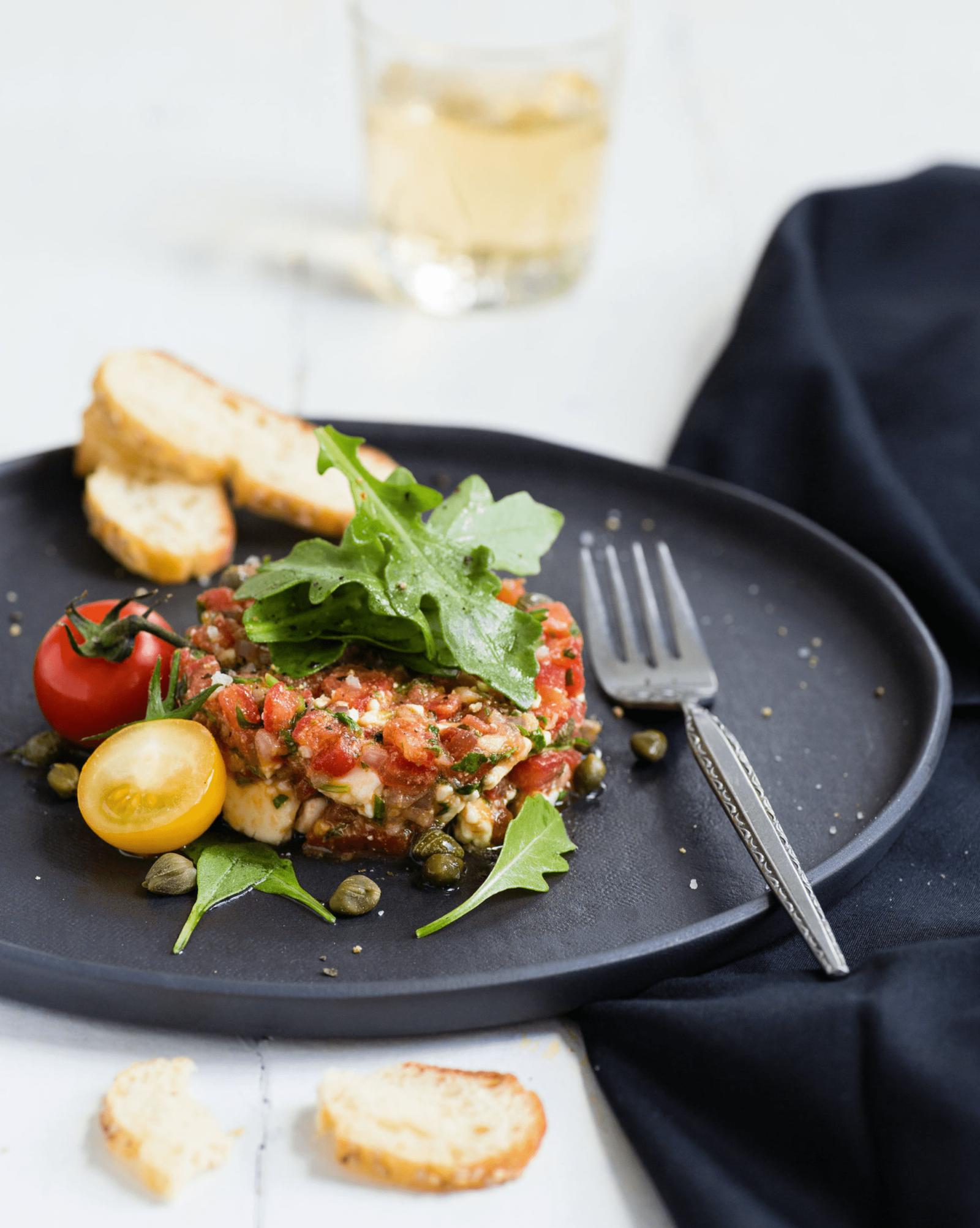 Quasi-classic Feta and Arugula Tomato Tartare
