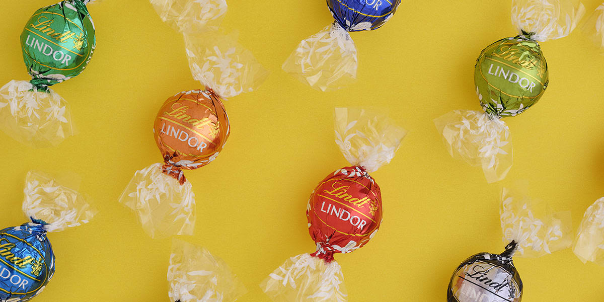[French] [Image] [offer] 150 LINDOR TRUFFLES ONLY $45!