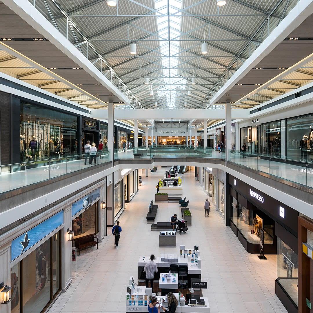 [CF Promenades St-Bruno] - Mall Interior