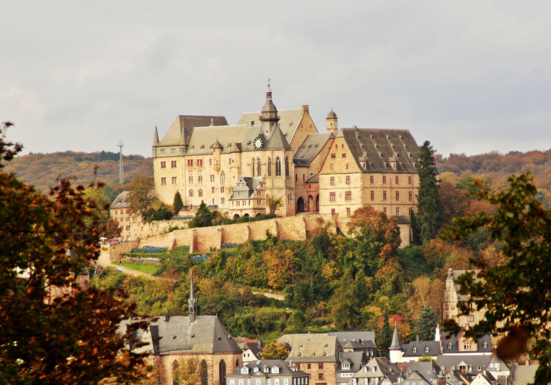 Blick auf das Schloss in Marburg