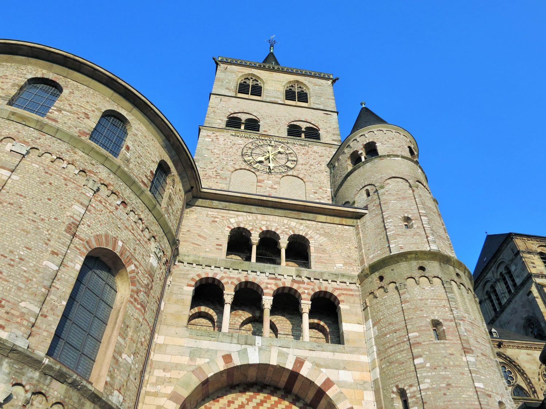 Dom im historischen Zentrum von Trier\nhttps://pixabay.com/photos/trier-city-dom-historic-center-840702