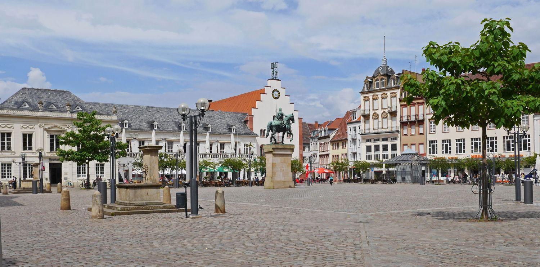 Landau in der Pfalz, Markt