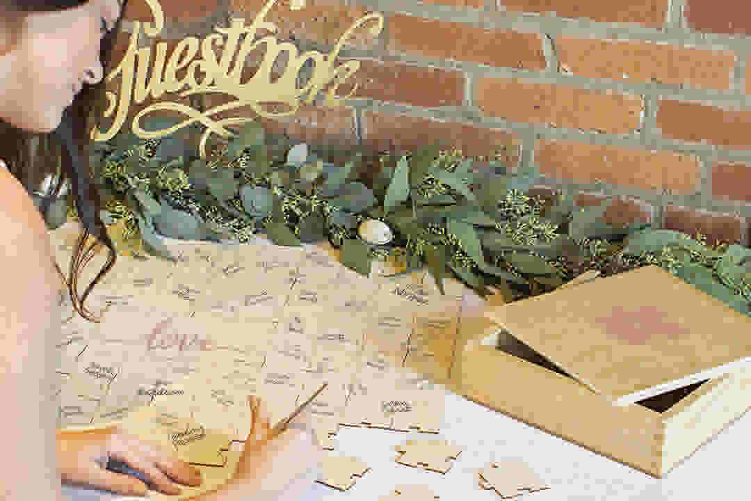 INLINE Cathy'sConcepts LoveWeddingGuestbookPuzzle