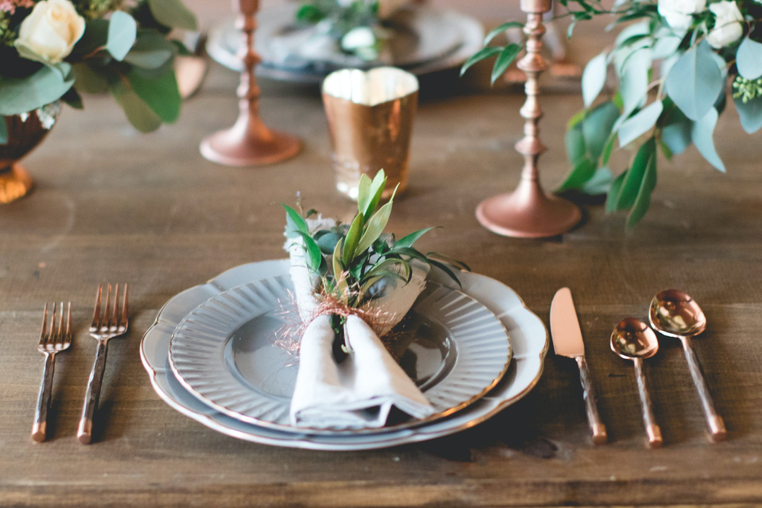 How to Incorporate Copper Accents Into Your Wedding Theme
