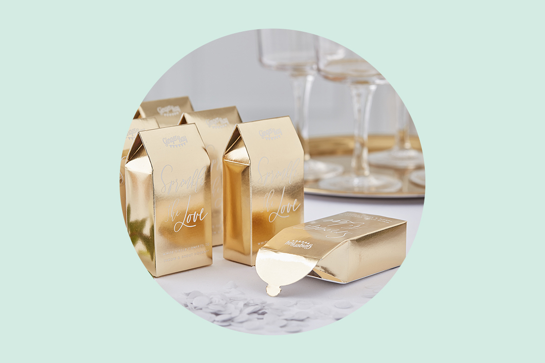 How to Package Wedding Favors