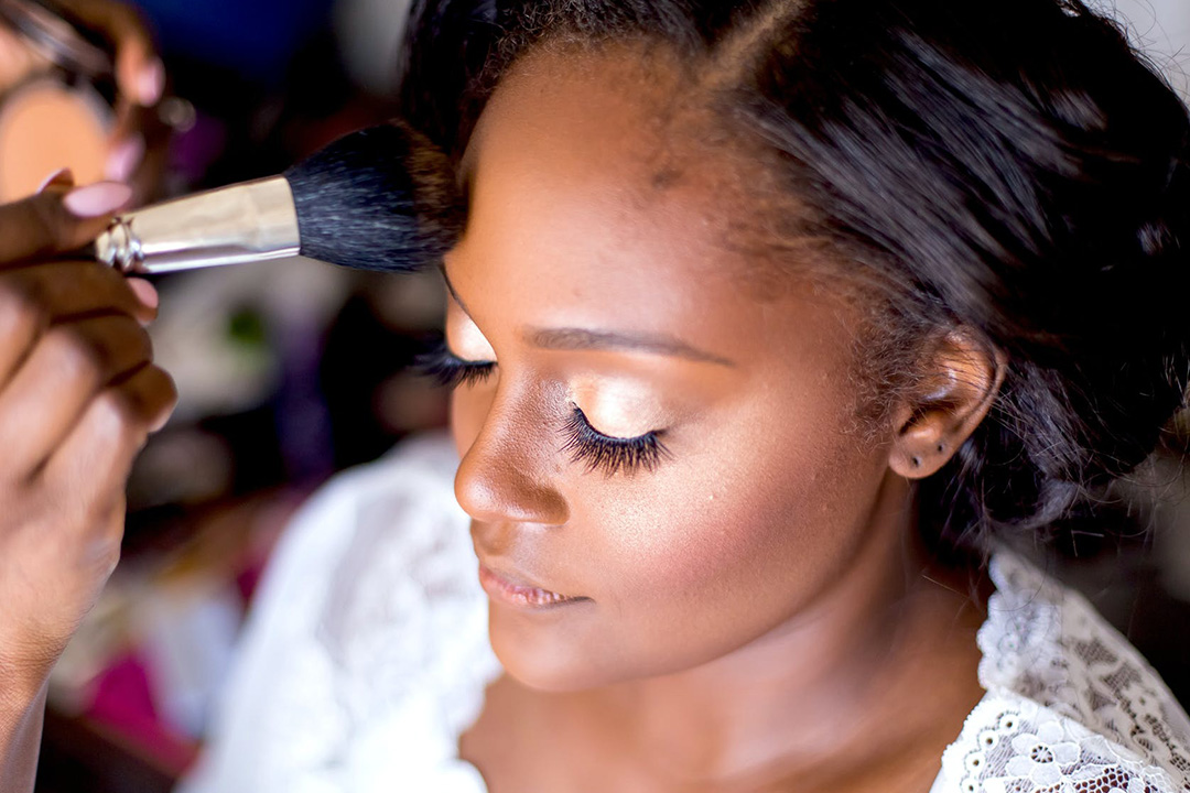 Use Airbrush Makeup On Your Wedding Day