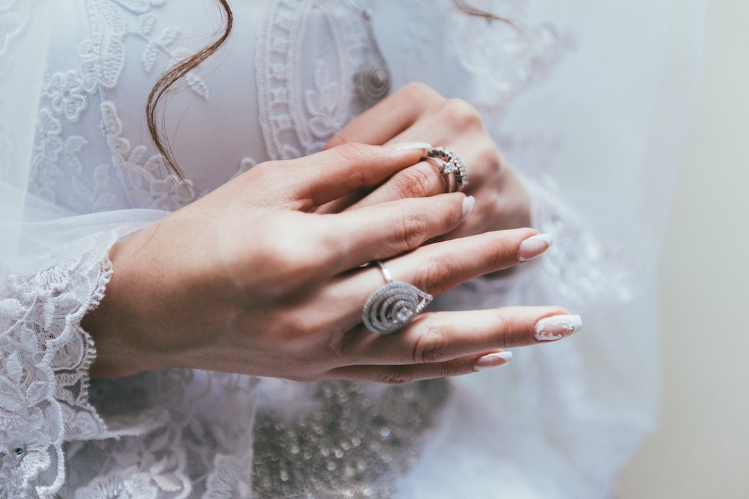 Zola - Guide To Stacking Engagement Rings