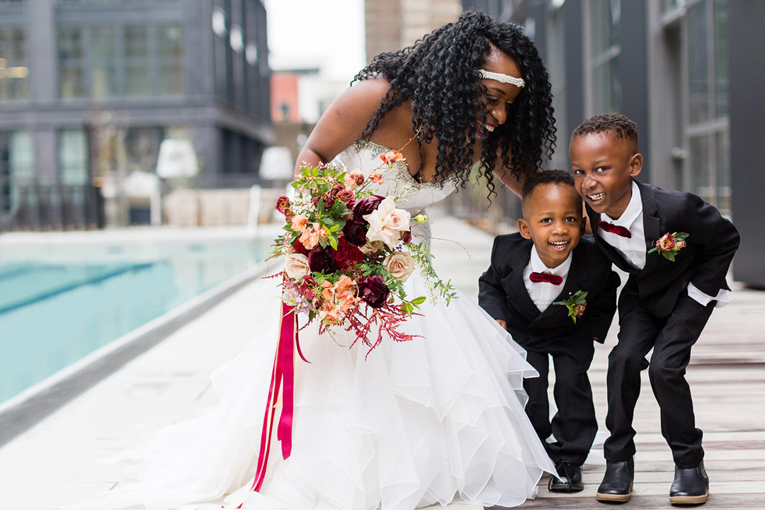 couple includes kids in their wedding