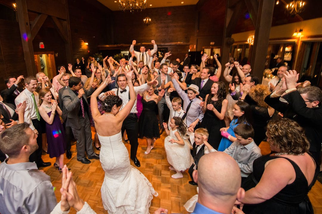 4 Alternatives to the Classic Bouquet Toss