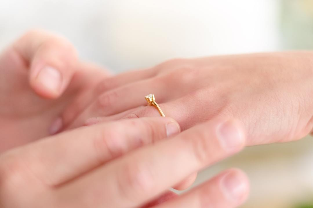 Minimalist Engagement Rings: A Complete Guide