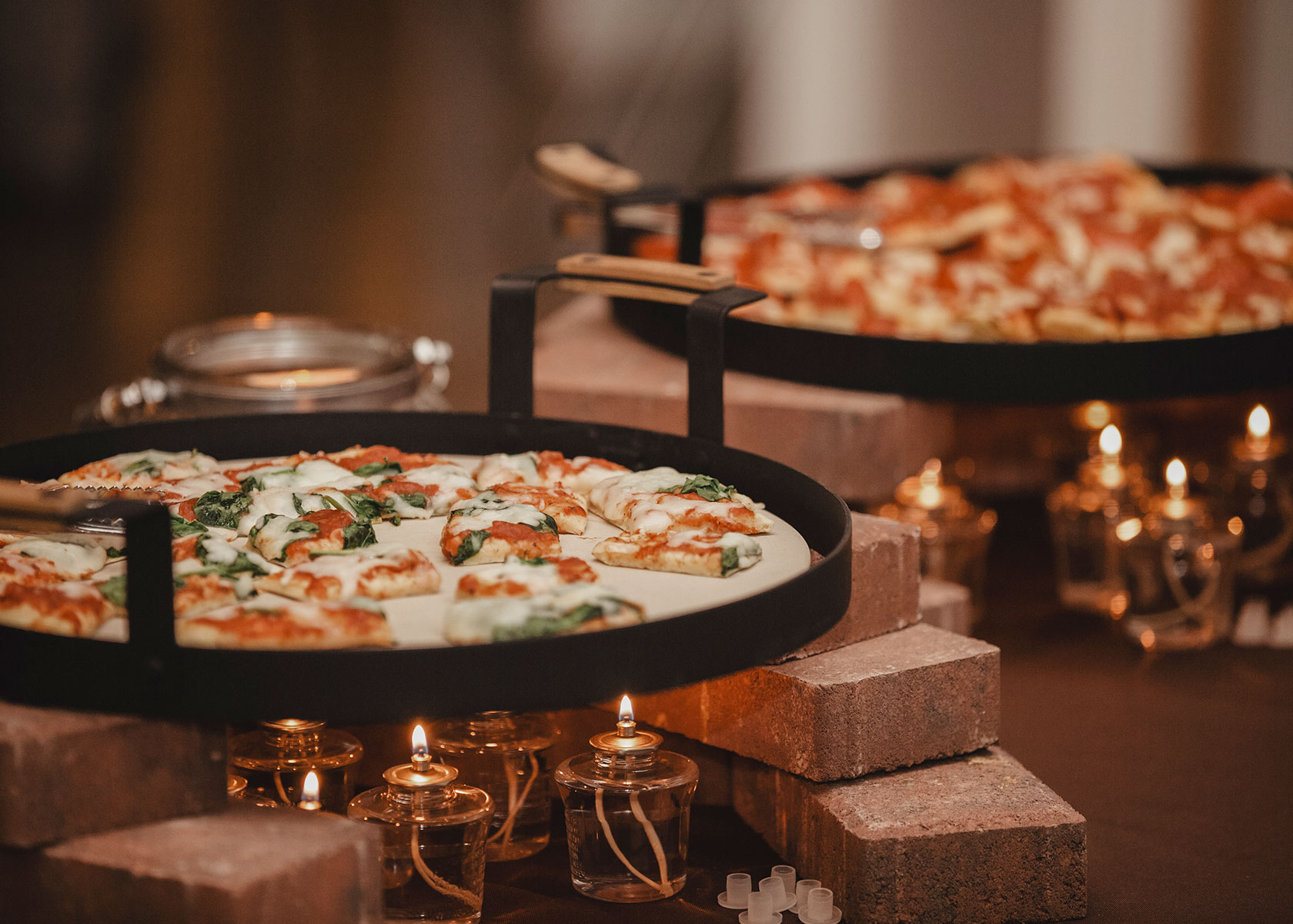 magnolia-and-ember-wedding-pizza-bar