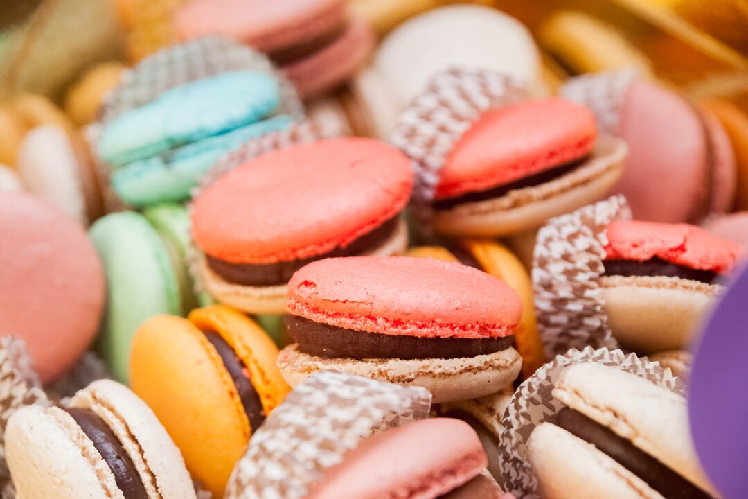 Best Late-Night Wedding Snacks macaroons
