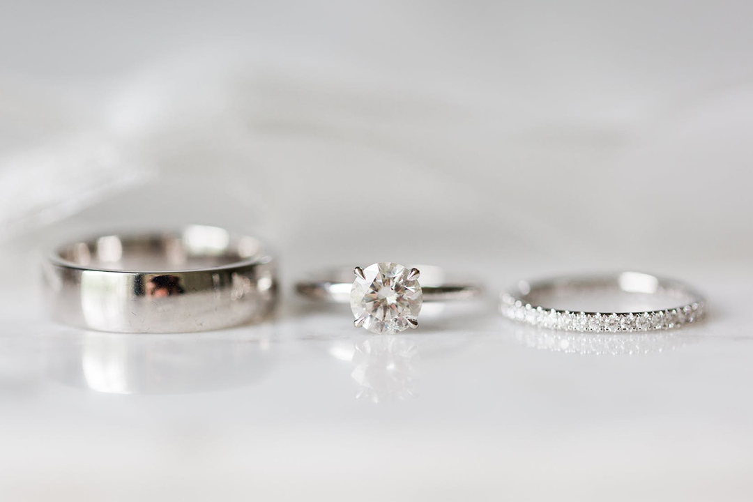 Guide to Minimalist Wedding Rings