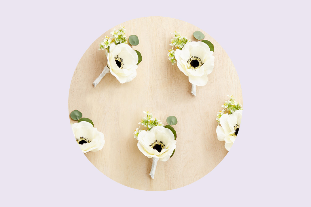 wedding table of artificial flowers