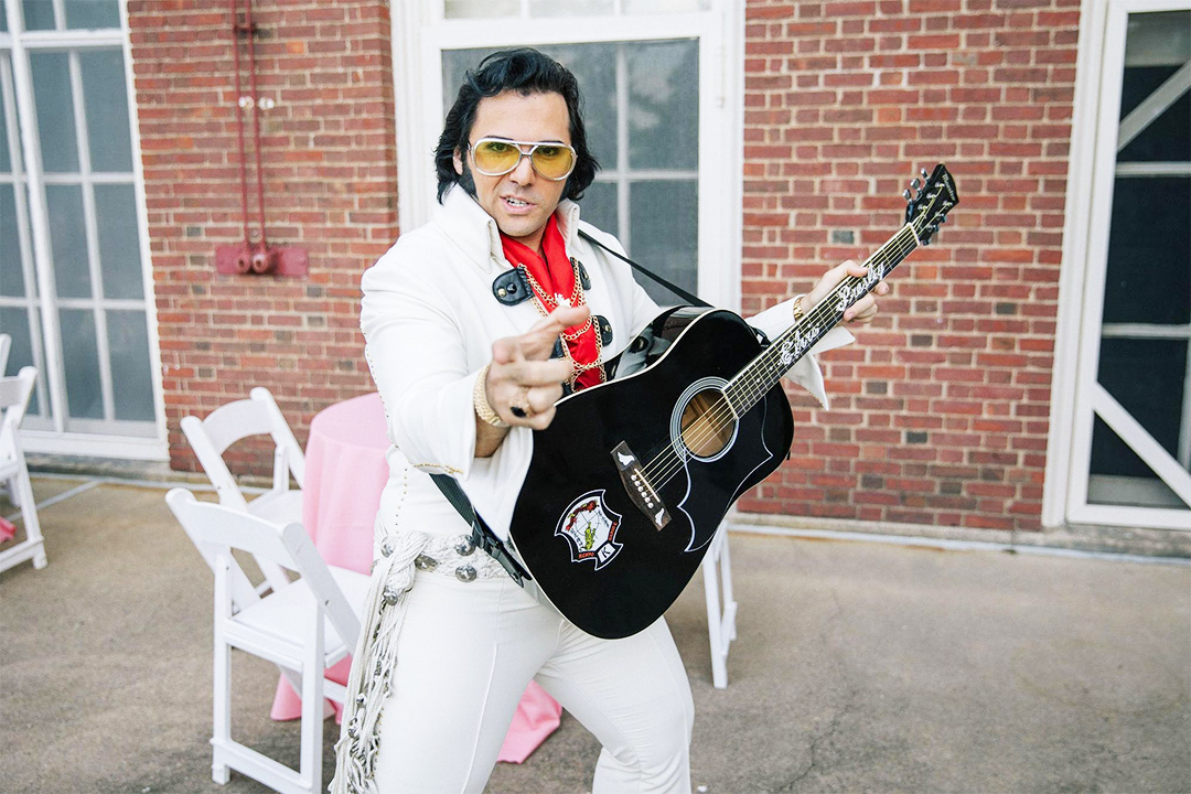 Elvis wedding cosplay