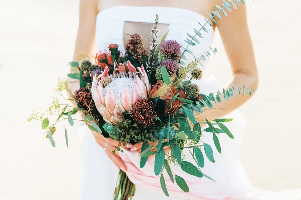 A Seasonal Guide to Wedding Flowers | Zola Expert Wedding Advice