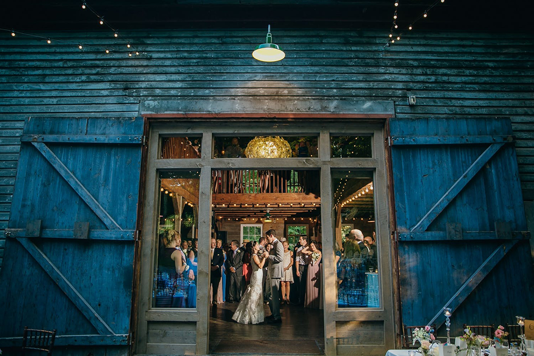 Wedding in a blue barn