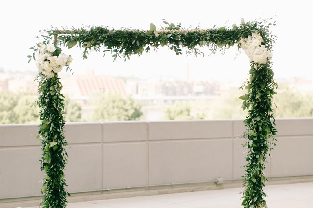 How Much Do Wedding Arches with Flowers Cost?