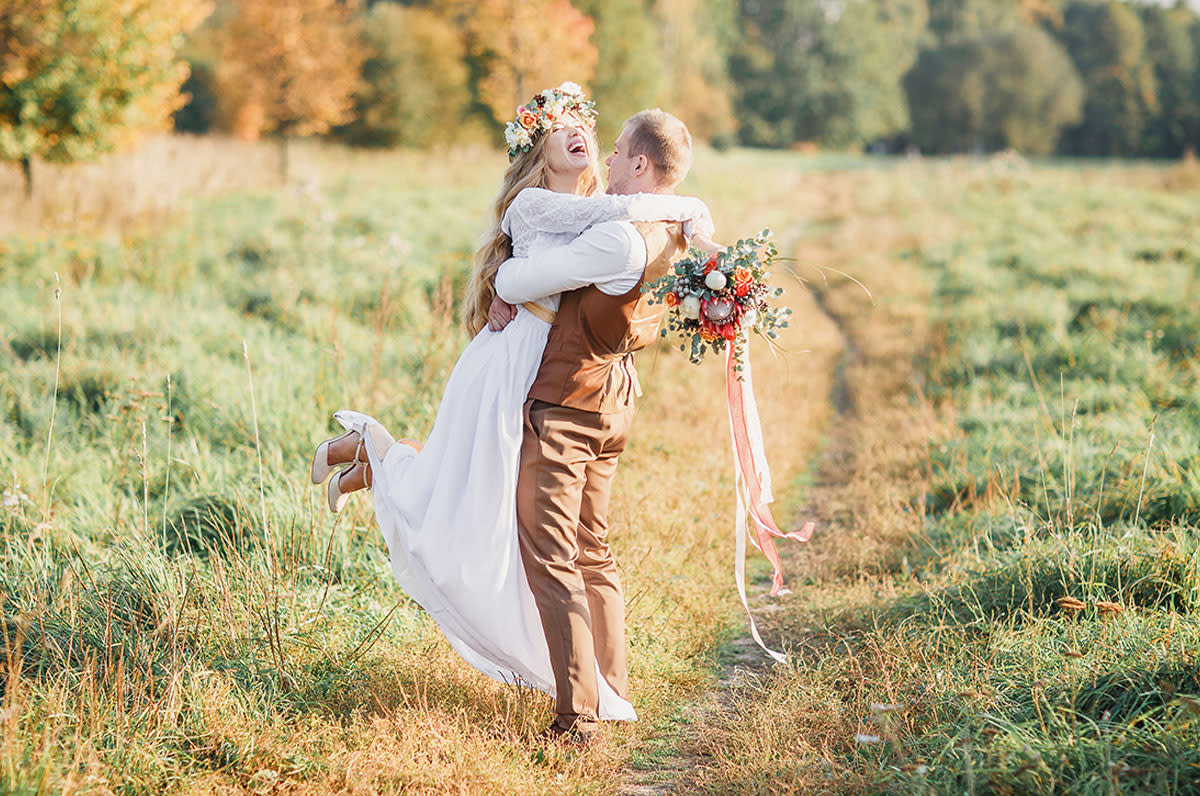 25 Outdoor Wedding Ideas For Fall We Cant Get Enough Of